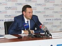 В 2016 году специалисты Госкомрегистра проведут семинары по повышению правовой грамотности крымчан и серию выездных консультаций - «Госкомрегистр»