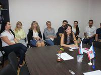 В центральный аппарат Госкомрегистра временно прикомандирован руководящий состав восьми подразделений комитета - «Госкомрегистр»