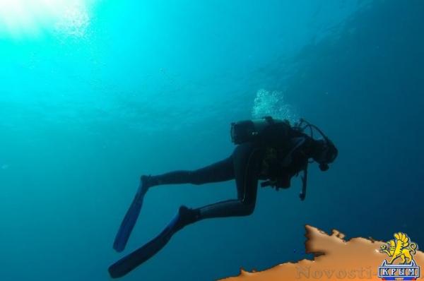 Водолазы очищают дно Черного моря от стекла и строительного мусора