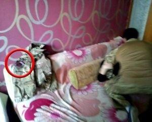 В Мариуполе украинские каратели насилуют девушек и проводят самочинные