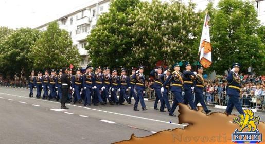 Военный парад впервые прошёл в Симферополе - «Политика Крыма»