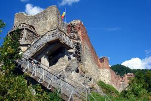 Замок Дракулы закрыт из-за угрозы для туристов - «Новости Туризма»