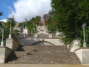 На реставрацию Митридатской лестницы в Керчи понадобится больше миллиарда рублей     - «Экономика Крыма»
