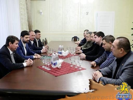 На полуостров прибыли главы ЛДНР . - «Центральный Крым»