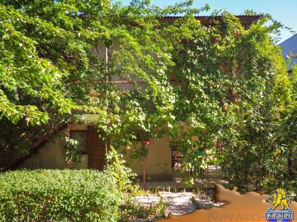 Отдых в Коктебеле. Отличный дом, с комфортабельными номерами, большим садом, рядом с рынком Отдых в Крыму 2017 - жильё в Крыму без посредников - «Отдых в Коктебеле»