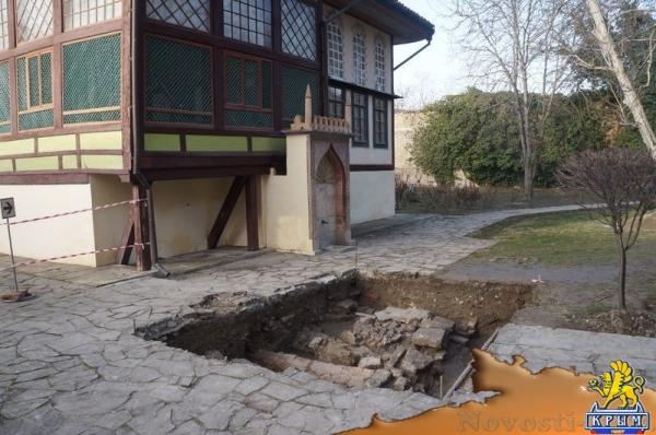 Александр Герцен: Ученые-археологи КФУ наткнулись на очередные тайны Ханского дворца (ФОТО) - «Интервью»