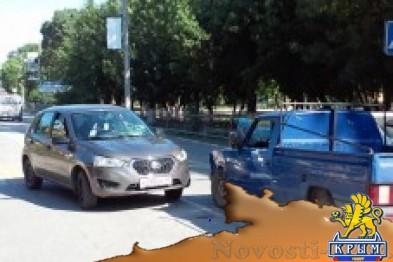 Иномарка сбила парня на пешеходном переходе и врезалась в легковушку - «Феодосия»