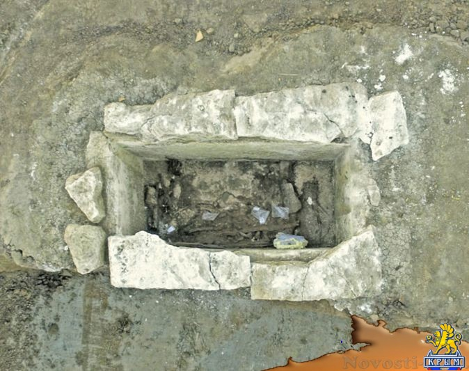 При исследовании кургана возле керченского моста обнаружили .