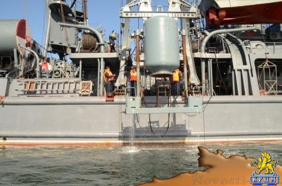 Отрабатывают спасение подводников - «Армия и флот»
