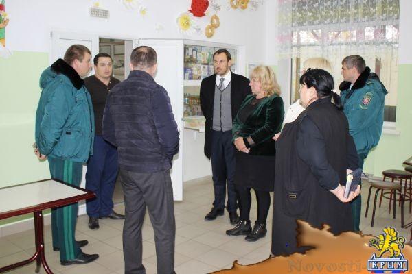 Руководство Госкомрегистра провело выездные приемы граждан в Феодосийском регионе  - «Экономика»