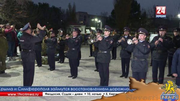 Последние сборы, слёзы и напутствия - крымские призывники отправились служить на материк  - (видео)