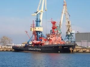 Судовладелец бросил моряков под Керчью - «Керчь»