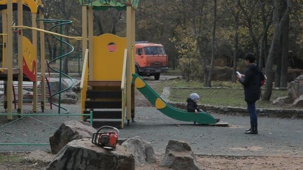 Реконструкция в Молодежном парке в Керчи  - «Видео новости - Крыма»