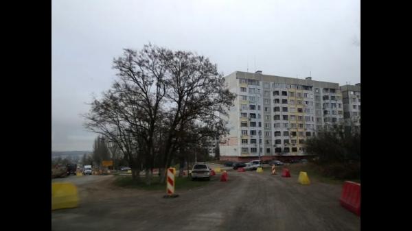 В Керчи на шоссе Героев Сталинграда изменили движение транспорта по полосам  - «Видео новости - Крыма»