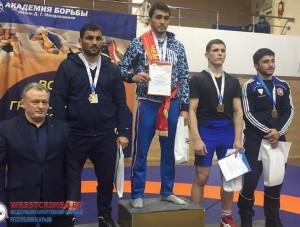 Крымские спортсмены завоевали 4 медали на турнире по вольной борьбе     - «Спорт Крыма»