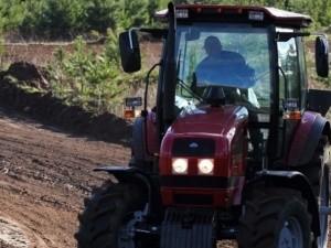 Рабочему фермы в Ленинском районе грозит срок за угон трактора - «Керчь»