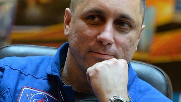 Крымчанин Шкаплеров будет голосовать на орбите - «Политика»