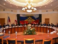 В Крыму обсудили проблемные миграционные вопросы - «Правам человека»