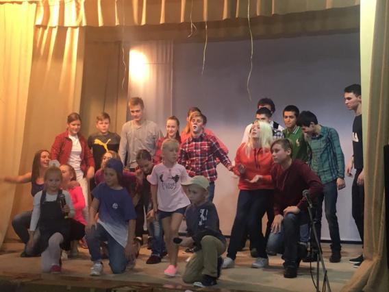 Учебно-театральному центру школы №14 исполнилось четверть века - «Образование»