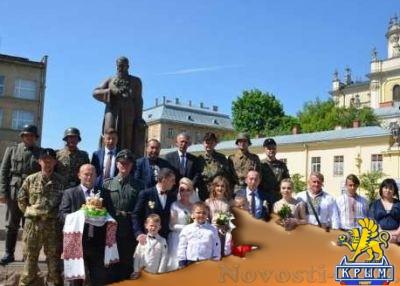 Это Украина: На свадьбу во Львове гости пришли в нацистской форме - «Общество Крыма»