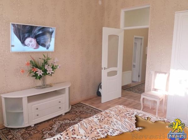Отдых в Евпатории. Сдам 2-х комнатную квартиру с отдельным двориком в курортной зоне города Отдых в Крыму 2019 - жильё в Крыму без посредников - «Отдых в Евпатории»